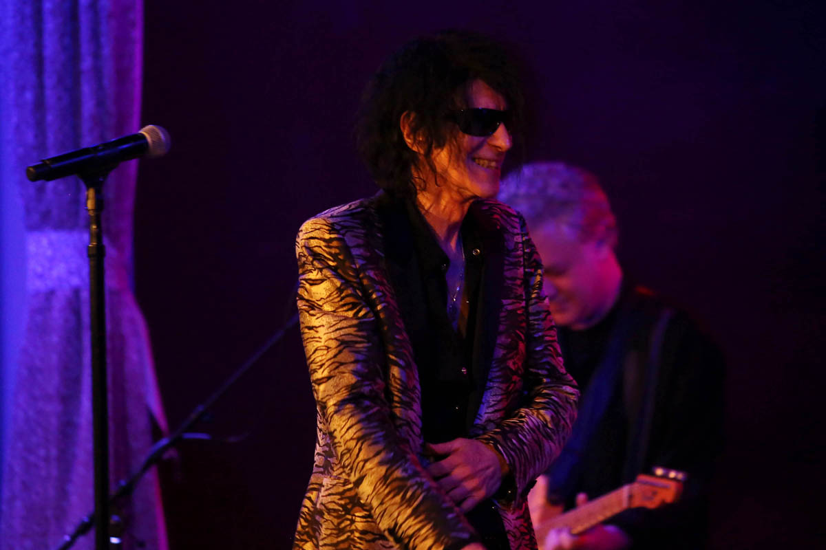 Peter Wolf The Midnight Travelers A Cure For Loneliness