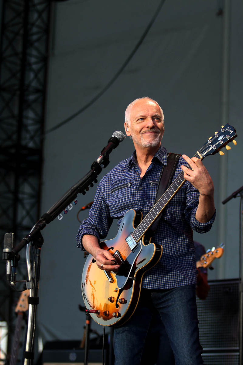 peter frampton laid back festival at firstmerit bank pavilion at northerly island chicago. Black Bedroom Furniture Sets. Home Design Ideas